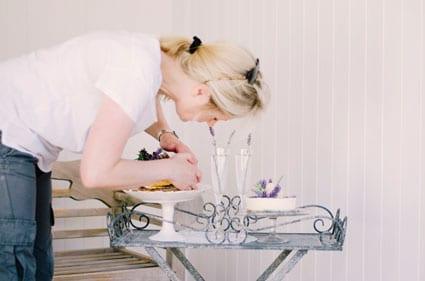 Caroline-styling-cakes